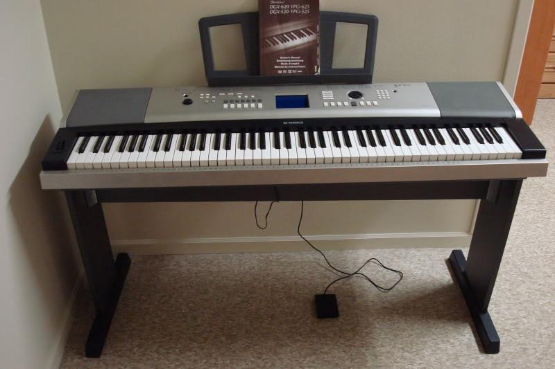 Продам синтезатор yamaha dgx-520
